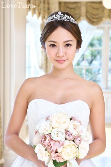 着用イメージ イヤリング ウエディング 結婚式