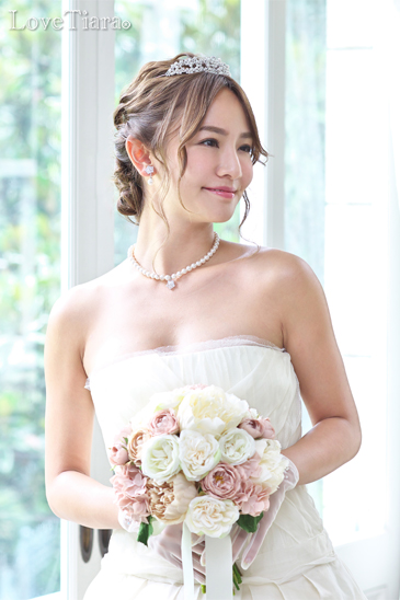 着用イメージ ティアラ ウエディング 結婚式